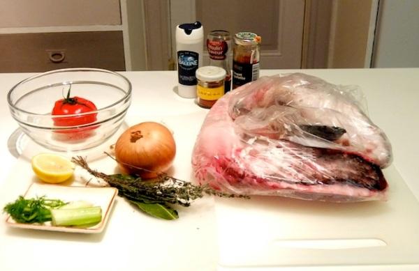Les ingrédients nécessaire pour le fumet. 魚の出汁の必要な材料です